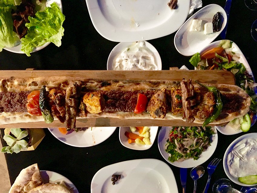 Iftar alanya, alanya iftar, ramadanen traditioner, traditioner under ramadanen, hvad er ramadanen, hvordan foregår den muslimske ramadan, tyrkisk mad, tyrkiske retter, mad fra Tyrkiet