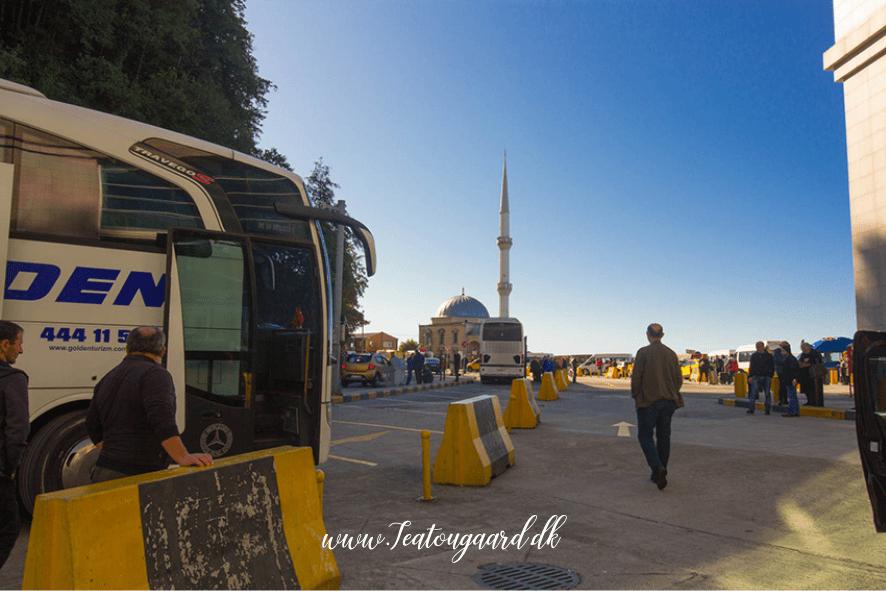 Tyrkiet georgien grænse, med bus igennem tyrkiet, tyrkiet bus, rejser til Georgien, rejser til Batumi, rejser til Tbilisi, grøn tur igennem Tyrkiet, miljøvenlig rejse gemmen tyrkiet, miljøvenlig rejse igennem Georgien, rejseblogger, rejseguide, dansker i Tyrkiet