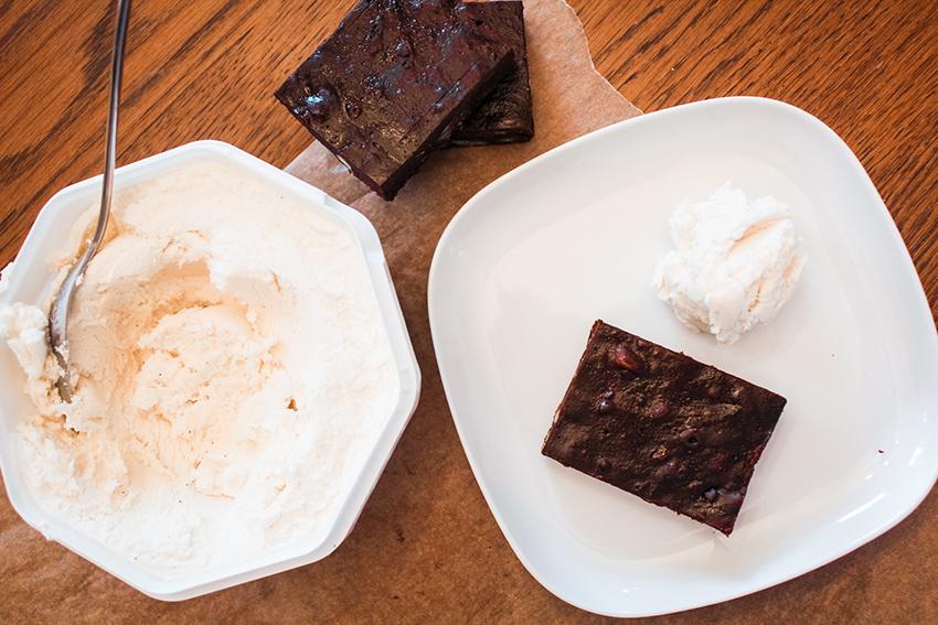 Veganske brownies, opskrift på veganske kager, veganske kager opskrift, veganske opskrifter blog, veganske brownies, opskrift på brownie, foodblog, madblog,