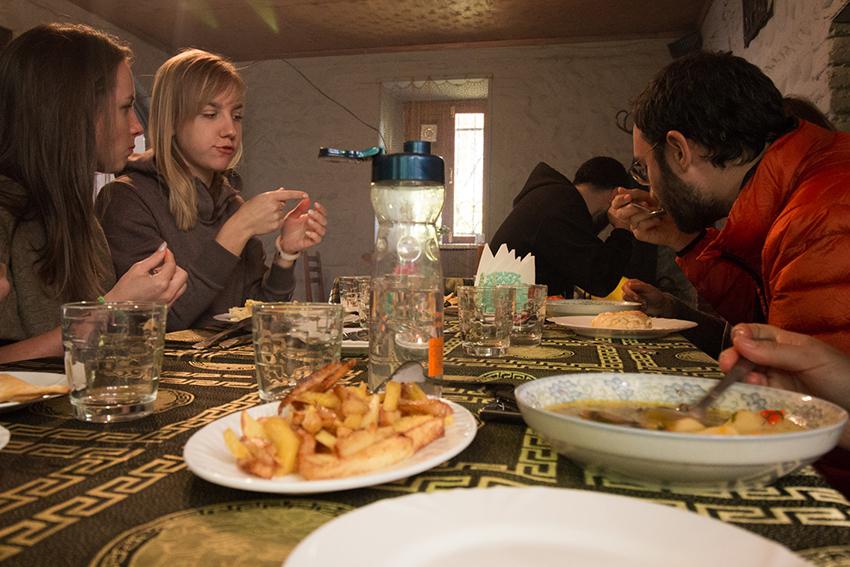 Spise i gerogien, egnsretter i georgien, georgisk madguide, madguide til georgien, hvad skal man smage i Georgien, georgisk slik Churchkhela, gerogiske lokal retter, lokalretter fra georgien,