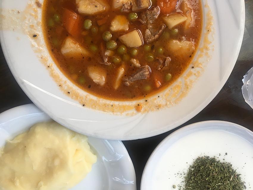 Mini mutfak, autentisk tyrkisk mad i Alanya, Alanya tyrkisk mad, Lokal mad i Tyrkiet, Billig mad i Alanya, Billige restauranter i Alanya, Sulu yemek Alanya, Mutfat mini