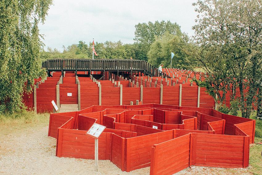 labyrinthia, labyrinthia silkeborg, Silkeborg seværdigheder, oplevelser for børn i Silkeborg, Layranter for mennekser, menneske store labyranter, Silkeborg labyrinthia