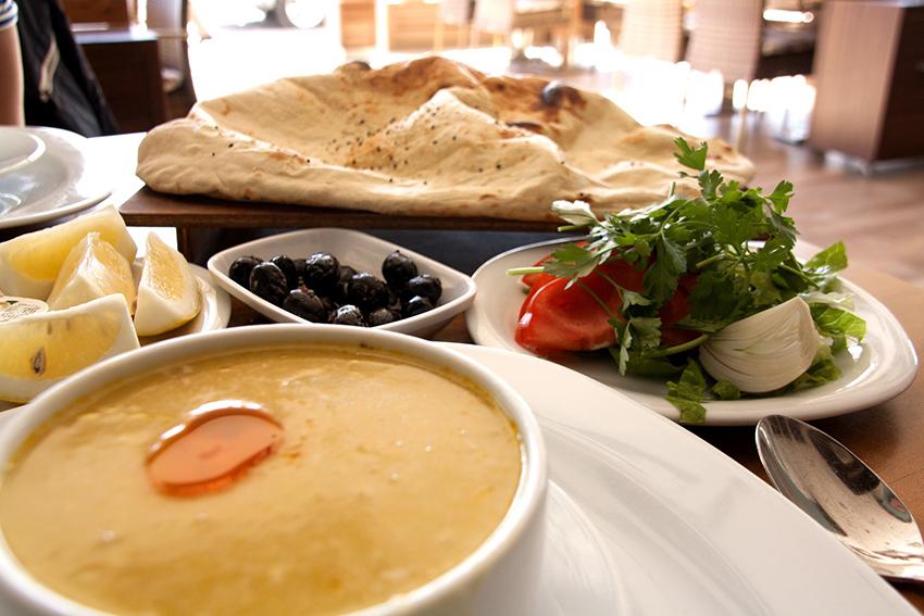 Suppe i Alanya, bedste suppe restauranter i Alanya, De bedste restauranter i Alanya, Alanya restauranter, Tyrkisk Kyllingesuppe
