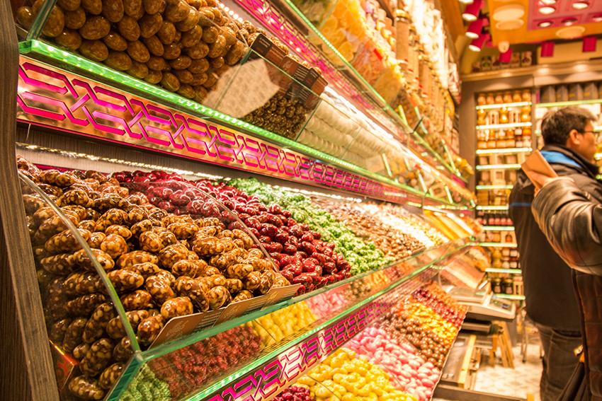 Grand bazar istanbul, Grand bazaar istanbul, guide til grand bazar, seværdigheder i istanbul, istanbul seværdigheder, oplevelser i istanbul, de best populære seværdigheder i Istanbul, det store marked i istanbul, tyrkisk slik
