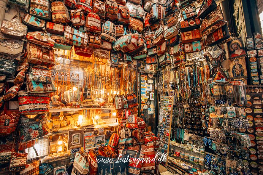 Grand bazar istanbul, Grand bazaar istanbul, guide til grand bazar, seværdigheder i istanbul, istanbul seværdigheder, oplevelser i istanbul, de best populære seværdigheder i Istanbul, det store marked i istanbul