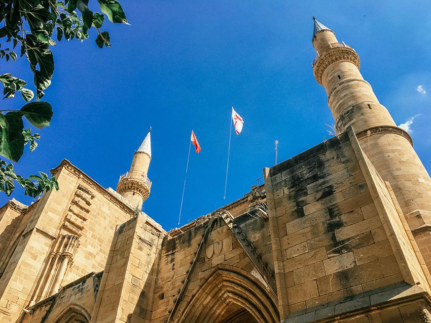 St. Sophia katedralen Selimiye moskéen, St. Sophia katedralen Nicosia, Selimiye moskéen Nicosia, en kirke der er blevet til en moské, historiske bygninger på Cypern, Cyperns historiske bygninger,