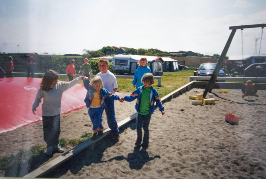 Camping i 1990, dansk camping, camping barn, camping for børn, camping guide, guide til nye campister, begynder guide til campister, DCU camping