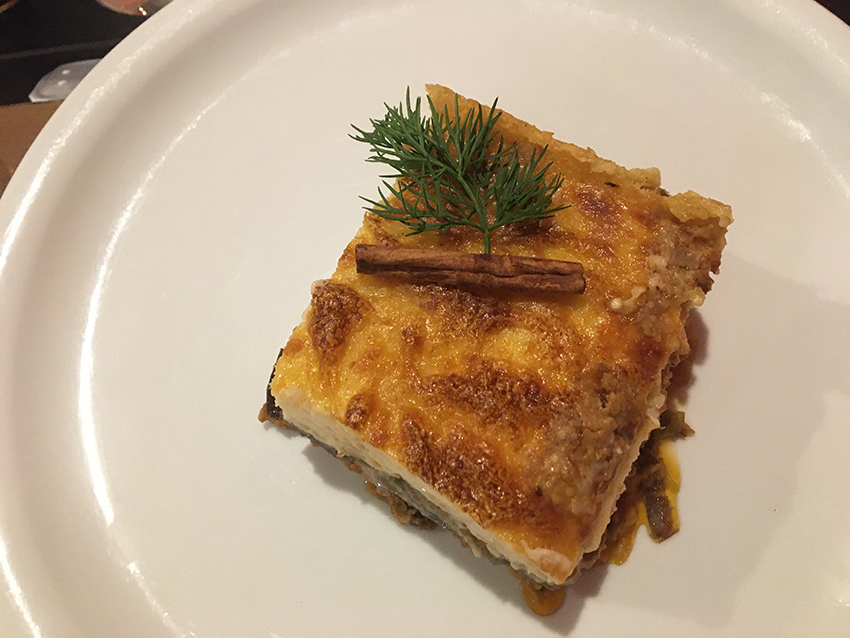 græsk muska, Greek moussaka, græsk mad, hvad skla man spise i Grækenland, græske lokalretter, moussaka, græske kødretter