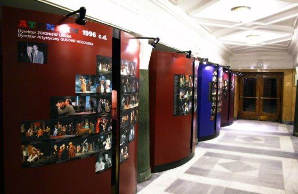 Foyer. Widok od strony szatni dla widzów. Fot. Michał Jarosiński