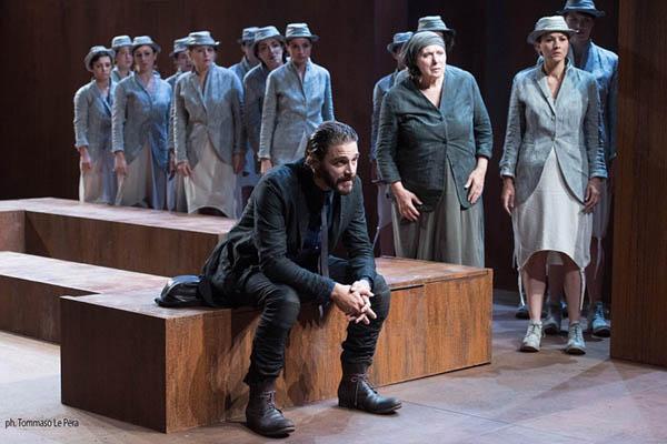 """A Napoli fino al 28 febbraio #Inscena """"Medea"""" di Gabriele Lavia"""