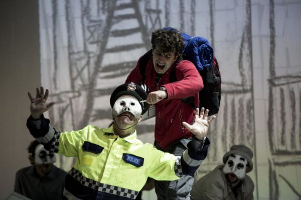 Elfo Puccini Milano #Inscena Lo strano caso del cane ucciso a mezzanotte. Fino al 13 gennaio