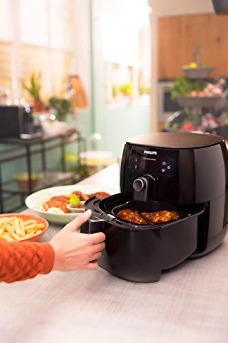 Philips Airfryer digital premium con tecnología para quemar grasa con libro de cocina Bonus 150+, 3 cuartos de galón, negro HD9741 / 99 7