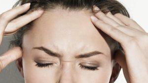 ٥ وسائل طبيعية لعلاج الصداع في المنزل