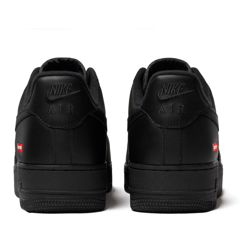 Nike Air Force Negro X Supreme