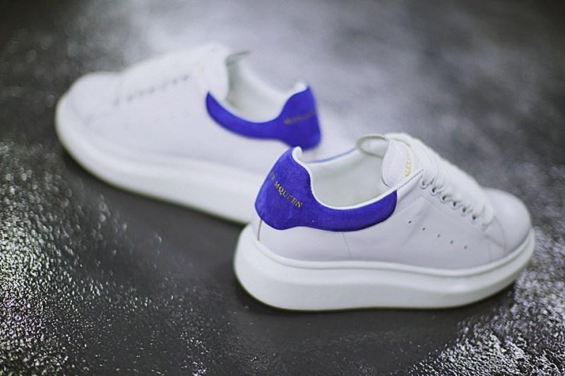Alexander McQueen Blanco y Azul