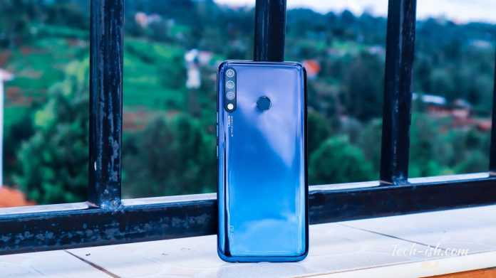 TECNO Camon 12 Review