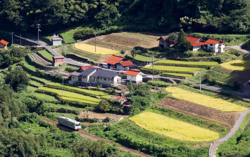 三江線と棚田