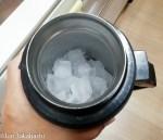 【暑さ対策】水筒に入れた氷は溶けずに何日間残っているか?