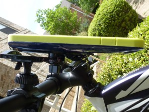 iLuv Selfy Case for iPhone 6 Plus: Attached to Bike with Bar Mount