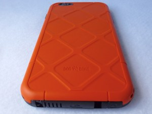 Dog and Bone Wetsuit for iPhone 6 Plus: Back Bottom View