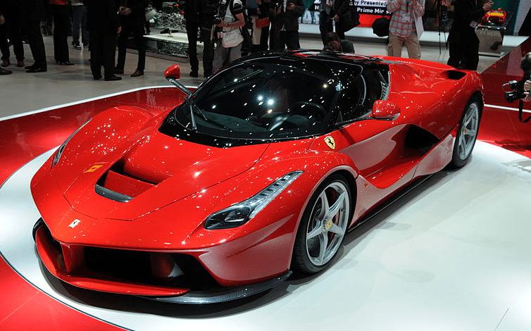 سيارة فيراري 2022 GTB 296