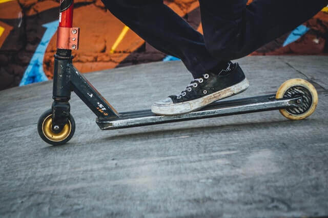 Can electric scooters be used manually