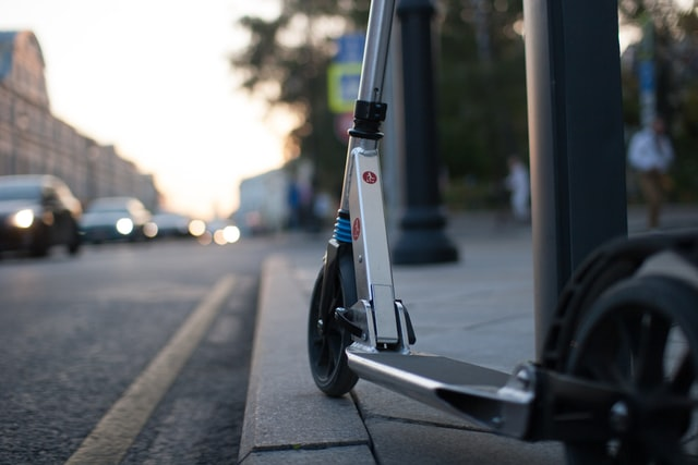 Charge an e-scooter