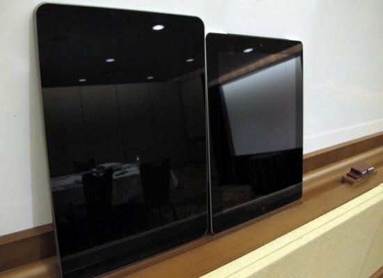 Samsung Galaxy Tab 10.1 has a better display than iPad 2