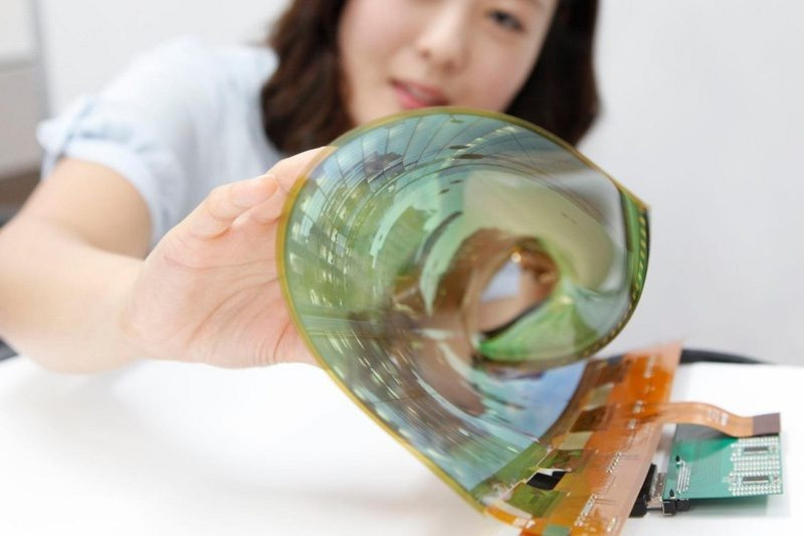 LG's foldable display technology
