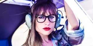 aircraft-pilot-female-leader-remote-virtual-teams-working-management
