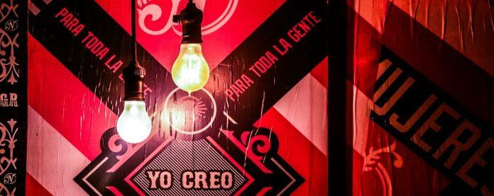 lamps-spanish-art-red-starbursting-ideation-brainstorming-workshop-tools-free-template