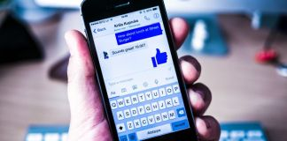 Facebook Messenger App Locale Example Screenshot Messaging Texting