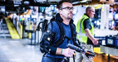 Exoskeleton Technology Pilot exoskeleton-ford-eksovest-eksoworks-automotive-manufacturing-bionic-workers-innovation-healthtech-robotics-wearable-tech