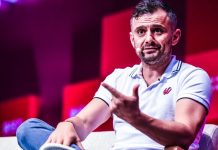 Crushing It Social Media Book Gary Vaynerchuk speaking Stephen McCarthy Sportsfile PandaConf stage RISE 2017 event Hong Kong_compressed