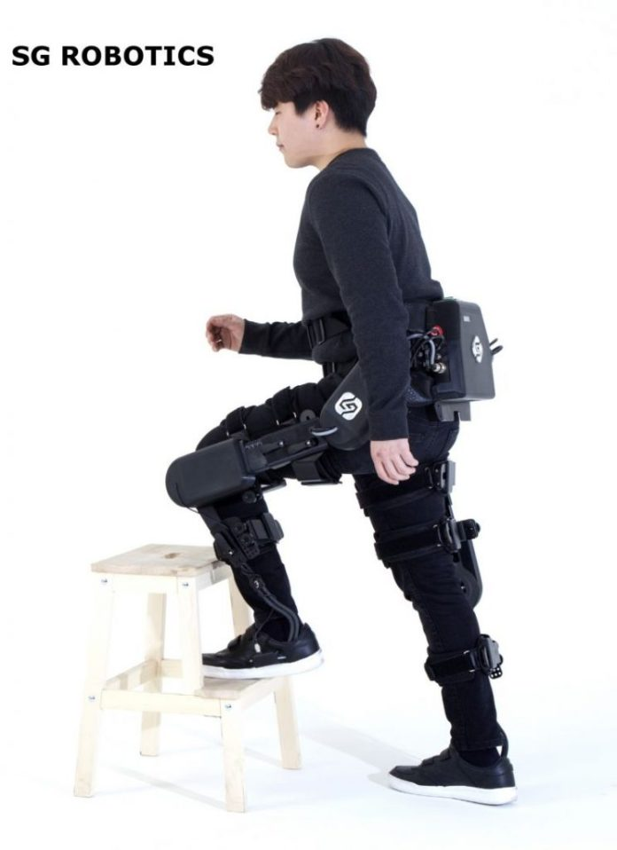 LG-SG-ROBOTICS-young-boy-exo-skelleton-wearable-augmented-bionic-gear