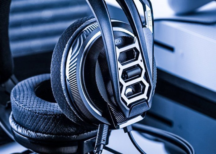 RIG 500 PRO HIGH-RESOLUTION SURROUND-READY GAMING HEADSET FOR PC PS4 XBOX ONE