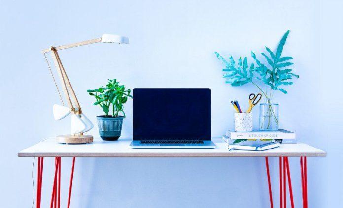 Herston Self Adjusting Balancing Desk Lamp Startup Design Kickstarter Crowdfunding Campaign Interior Furniture Office