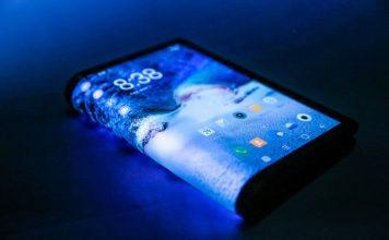Royole_FlexPai-bendable-foldable-flip-smartphone-display