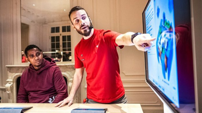 Free Today at Apple sessions give people at all skill levels the opportunity to learn to code.