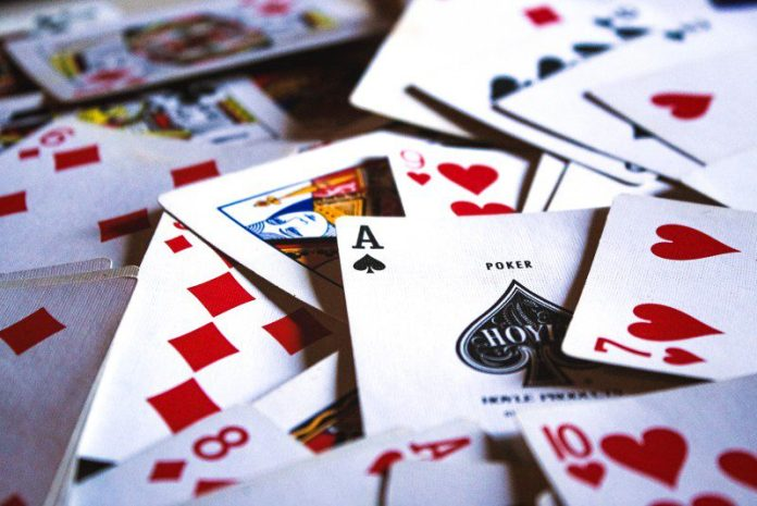 Scattered Playing Cards Blackjack Online Casino Real Money Tips
