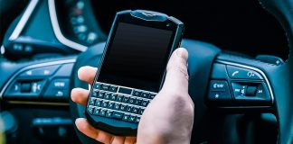 Unihertz Smartphone with Keyboard on Titan Pocket - QWERTY Physical Buttons