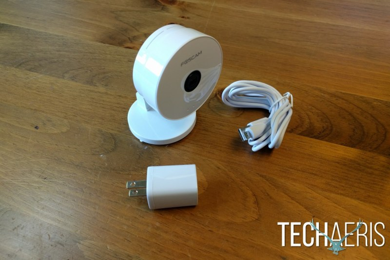 Foscam C1 Lite Review Cable and Plug