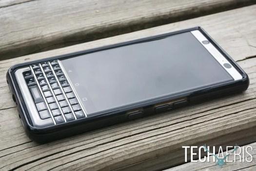 Incipio-Octane-Pure-review-BlackBerry-KEYone-12