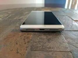 Huawei-Mate-9-Bottom