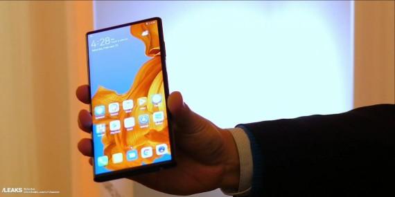 Διέρρευσαν εικόνες του αναδιπλώμενου Huawei Mate X