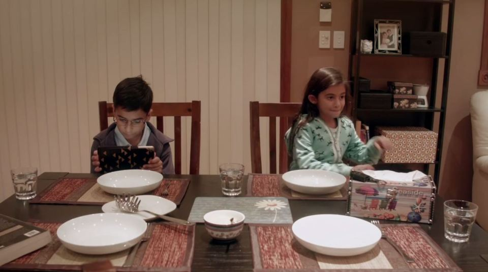 iPad-addicted kids don't notice when strangers replace their parents