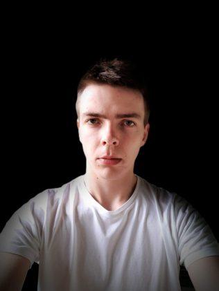 Motorola one vision selfie 1