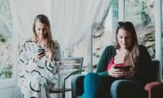 Novo modo noturno do WhatsApp traz opção de economizar energia da bateria