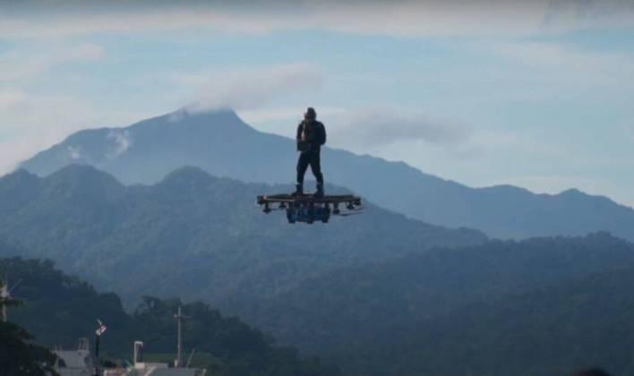 voo-hoverboard-e1626737977858 Inventor filipino faz voo de 2,89 km usando hoverboard