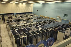 English: The CERN datacenter with World Wide W...
